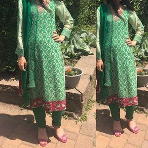 Green Embroidered Stunning Pakistani Suit -medium